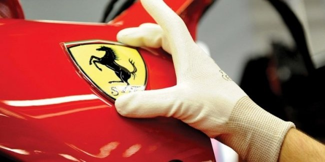 Ferrari is testing a new hybrid (video)