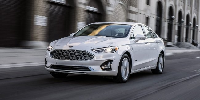 Why did Ford give up sedans?