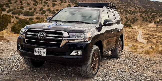 Toyota prepares sports Land Cruiser and Hilux