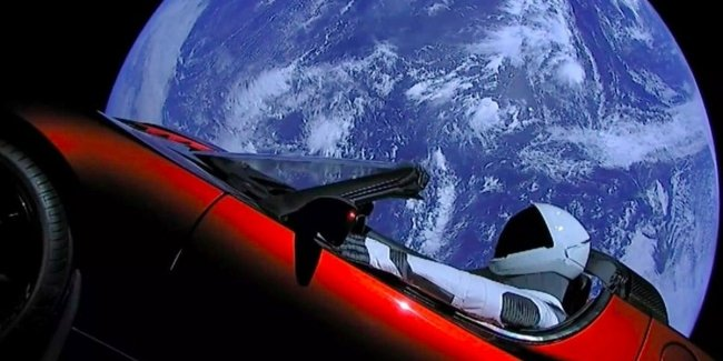 "Space gradually ""eats"" Tesla"