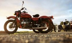 How to assemble the world's only four-wheel-drive motorcycle