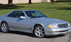 18-year-old virgin: Mercedes-Benz SL 500 sold at auction without a single registration