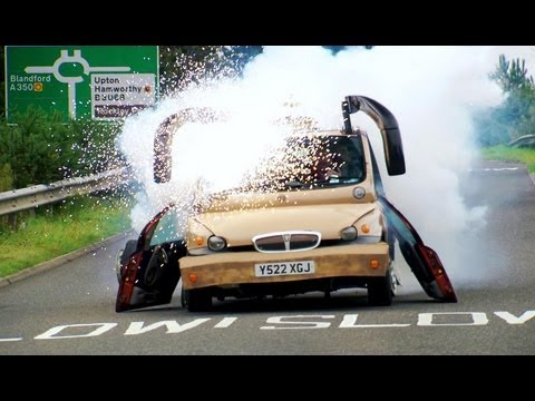 Rover James | The Old People's Car | Series 19 | BBC