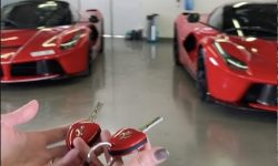 Stealing The La Ferrari Aperta!!