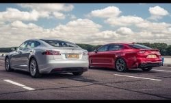 Tesla Model S vs Kia Stinger GT S | Drag Races