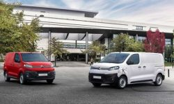 """International Van of the Year"": Electric Peugeot e-Expert, Citroen e-Jumpy, Opel Vivaro-e"