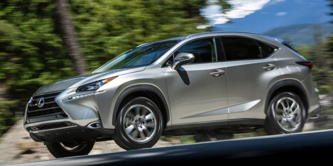 Next-generation Lexus NX spotted on tests for first time