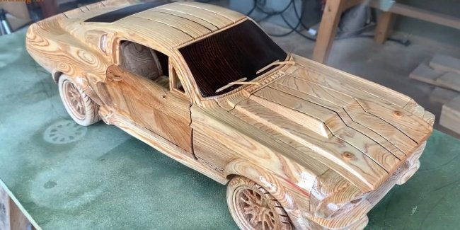Wooden Mustang: how to stick for 8 minutes (video)