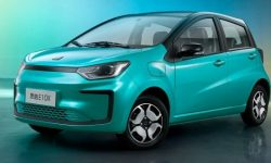Hatchback Sol E10X joins the ranks of cheap electric cars