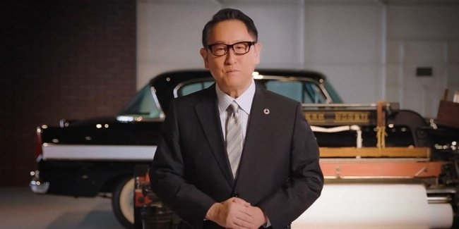 Toyota chief advises Apple to prepare for difficulties