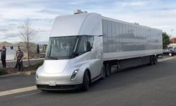 Tesla first demonstrated in motion electric truck Semi