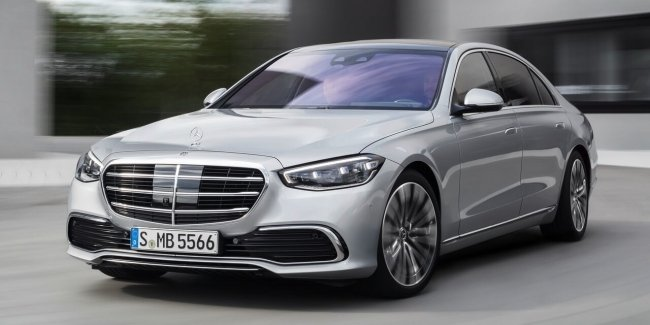 Mercedes very coolly advertised useless option S-Class