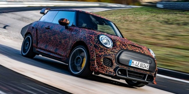 Discharge for JCW: MINI prepares first electric hot hatch