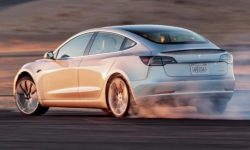 Why did Tesla lose out on its competitors' stock on independent tests?