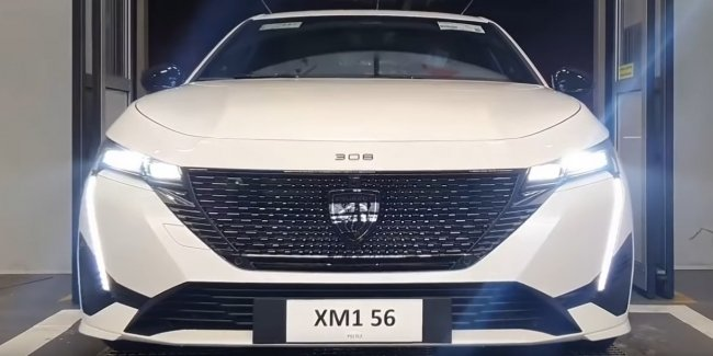 The new Peugeot 308 is on the conveyor belt