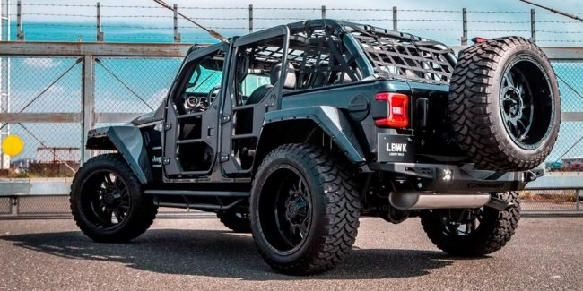 Nothing 'extra': Jeep Wrangler from Liberty Walk