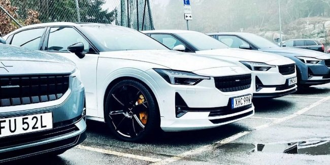 """Polestar 2 will get a """"charged"""" version of Polestar?"""