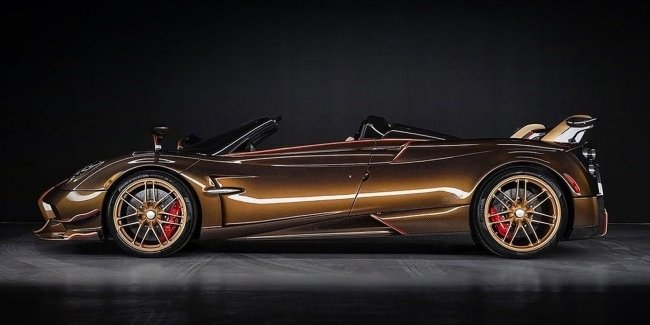 Roadster Pagani Huayra BC Supernova surprised salon