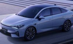 New electric car XPeng P5 shown on video before premiere
