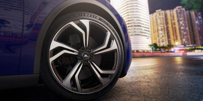 Cars without tires: the auto industry is waiting for another deficit