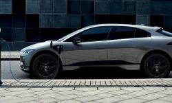 Jaguar I-Pace Black: a style train