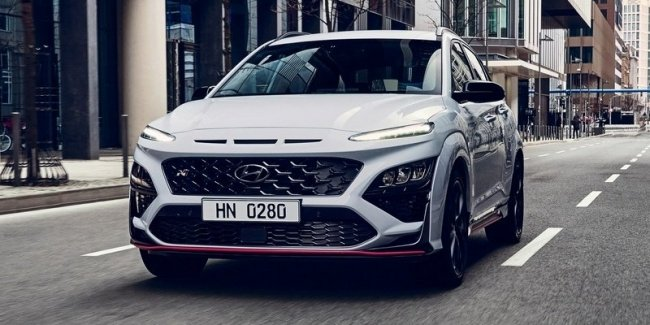 Eclipse Cross, which does not hurt to look!