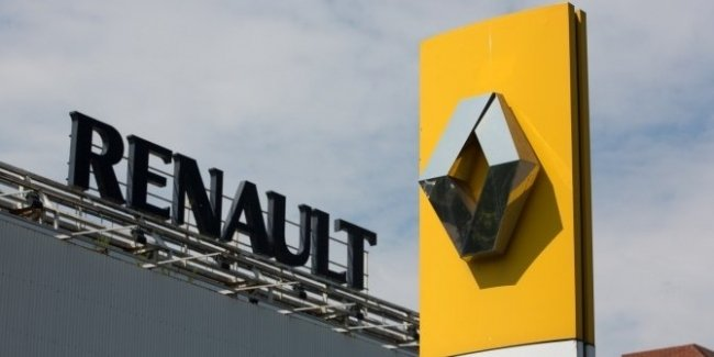 Renault factory workers take top managers hostage and go on strike