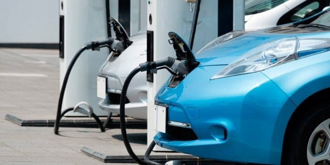Electric cars are cheaper than cars with DVS