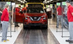 Nissan to cut car production