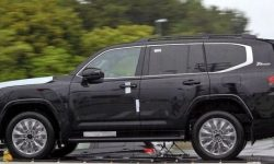 First images of Land Cruiser 300