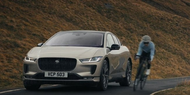 Jaguar I-Pace takes part in Everesting