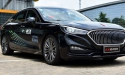 Chinese hello Toyota: Hydrogen Hongqi H5 passed first tests