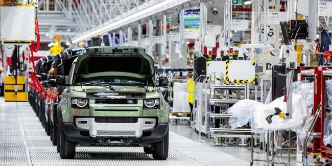 Land Rover Defender production halted due to chip shortage