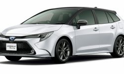 Toyota Corolla survived the restyle (photos)