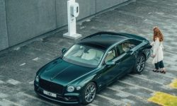 Electrified Bentley Flying Spur with 700 km