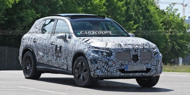 New generation Mercedes GLC spotted on the roads