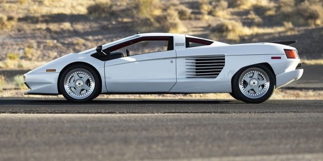 This is not Lamborghini: a unique supercar of the 1990s will be sold at auction