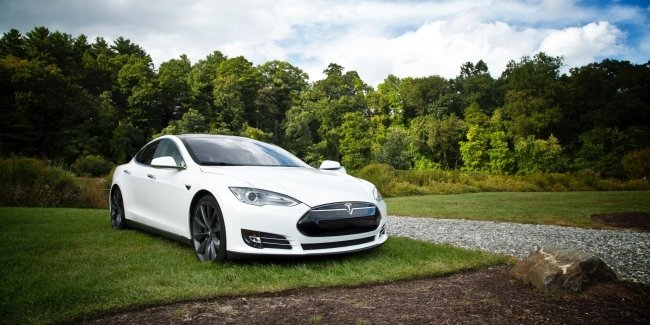 Tesla electric cars will learn to change gears themselves