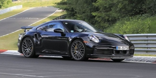 Alas, the hybrid Porsche 911 is being tested at the Nürburgring