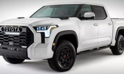 More photos of the salon of the new Toyota Tundra