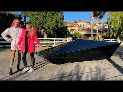 SURPRISING JEFFREE STAR WITH A UFO CAR!
