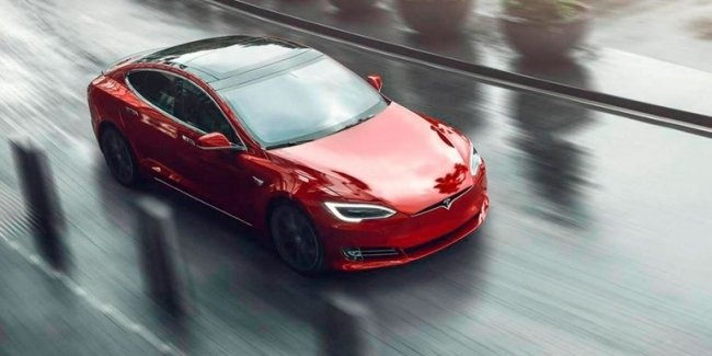 Elon Musk commented on the attempt to sell Tesla to the apple giant