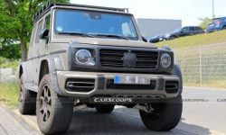 """""""Finish me, brick"""": Mercedes tests extreme G-Class in military style"""