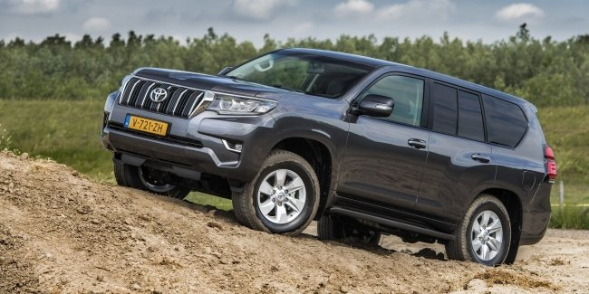 And even more details about the new Land Cruiser Prado
