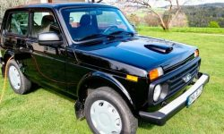"""German enthusiasts equipped the """"Niva"""" with an electric motor"""