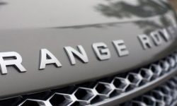 Photospies noticed the new Range Rover Sport with a V8 engine from BMW