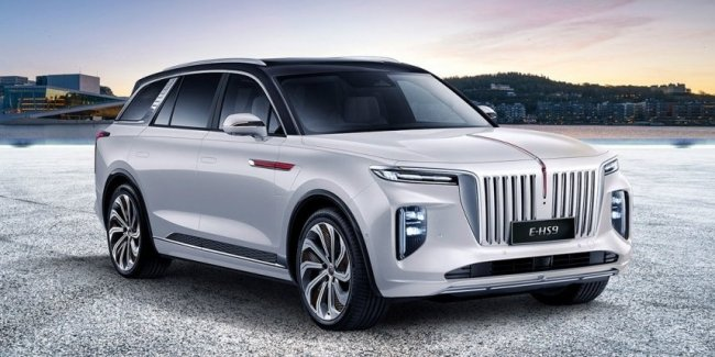 Land Rover has updated the crossover Range Rover Velar