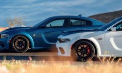Electric muscle car Dodge will be sold along with the old V8