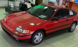 """Honda dealer kept the coupe CRX Si 1991 with a mileage of 1.6 million km and a """"native"""" engine"""