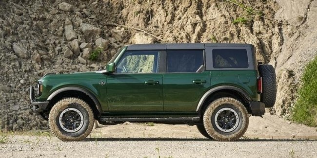 The new Ford Bronco will begin to paint in the color of suVs of the first generation